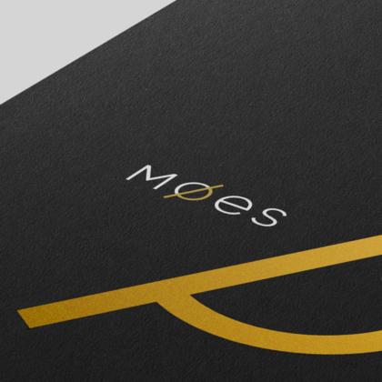 Identyfikacja wizualna dla kobiecej marki odzieżowej Moes